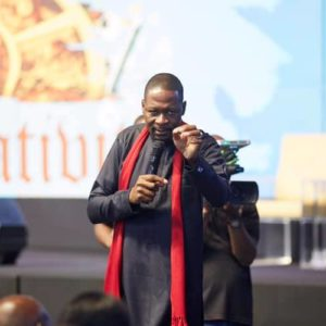 Emmanuel Makandiwa Ministers to Thousands During Healing Session