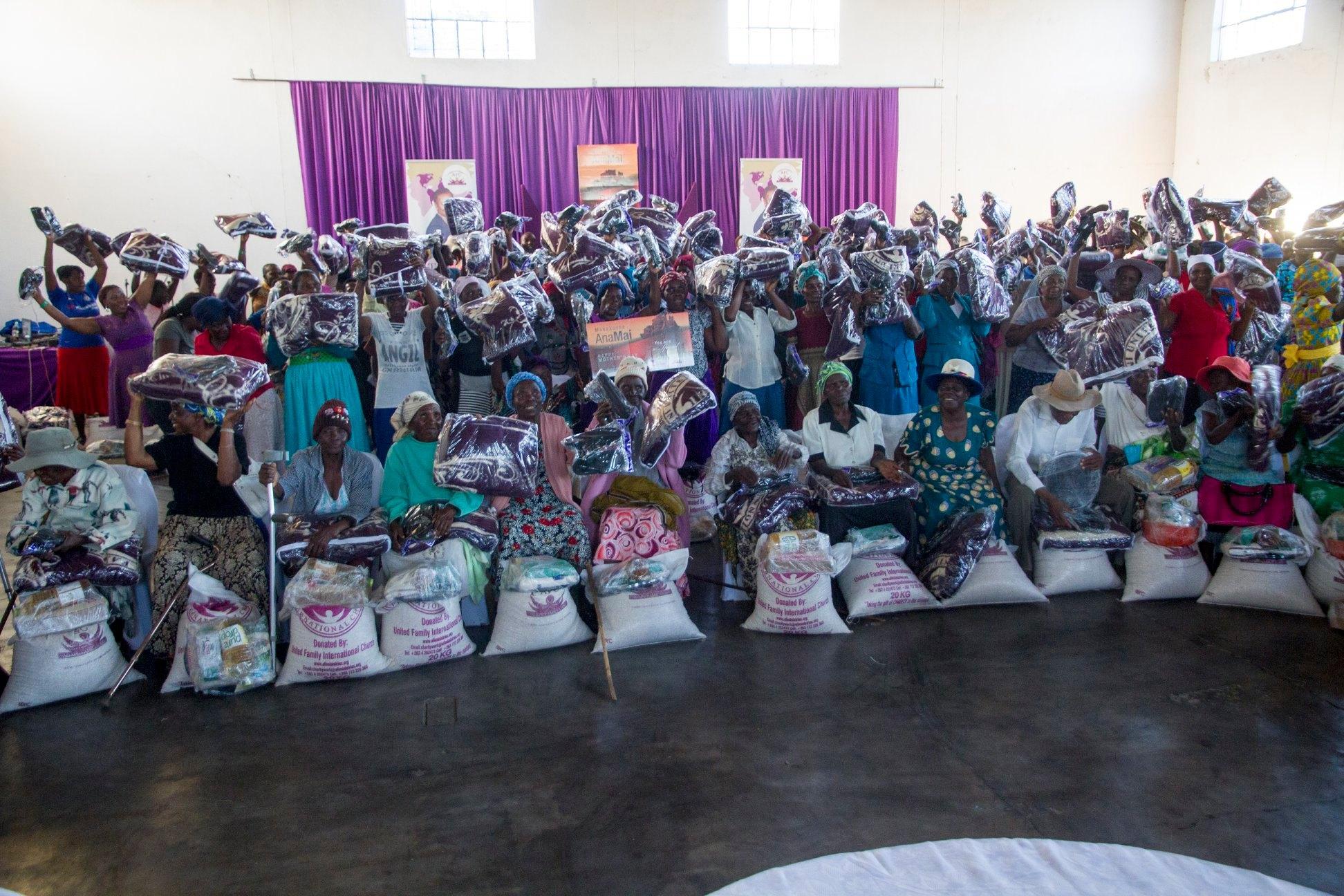 Ruth Makandiwa Celebrates Mothers' Day With The Elderly Mothers in Nembudzia